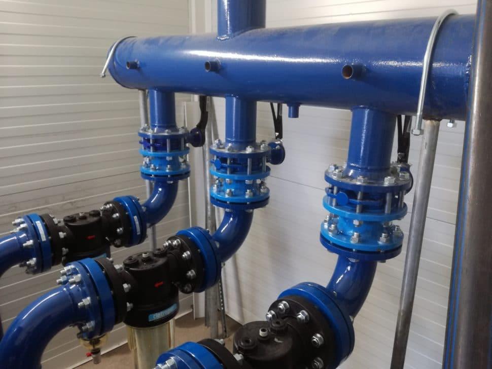 Rozvody médií pre výrobné stroje v novej výrobnej hale firmy DOR, s.r.o. v Považskej Bystrici – zostava chladiacej veže