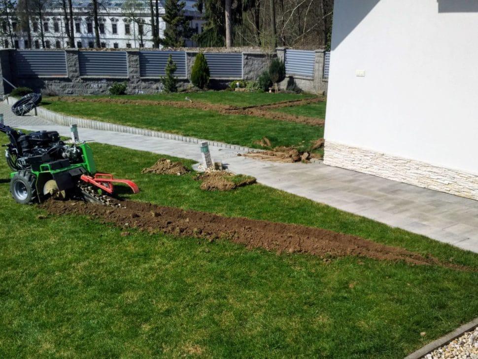 automatické zavlažovanie hĺbenie drážok gardena