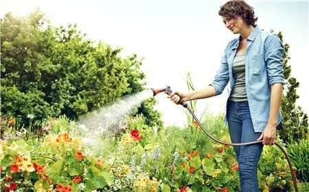rozprašovače na polievanie hadica na polievanie gardena