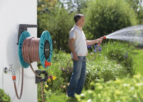Ručné zavlažovanie záhrady alebo trávnika