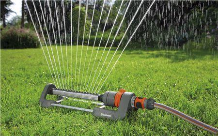 ručné zavlažovanie preklopné zavlažovače gardena